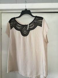 Lauren Conrad black lace top Oak Lawn, 60453