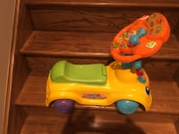 Toy car with sounds  Laval, H7X 4B4