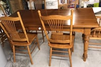 Classic wood antique Table with six chairs Kawartha Lakes, K0M 2B0