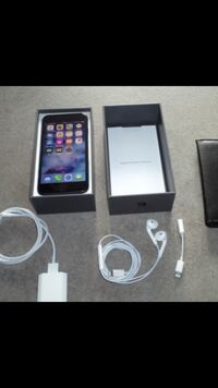 iPhone 8 unlocked with 256gb of storage in perfect condition 10/10 London, N5V 4S7