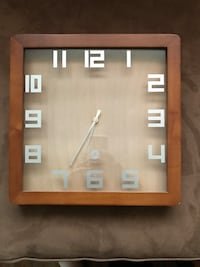 Wooden Frame Clock St Catharines, L2R 1T2