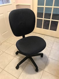 Computer chair office chair Pickering, L1X 2K7