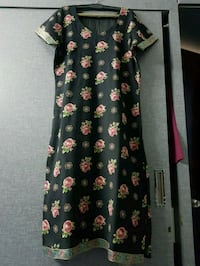 black and multicolored floral scoop-neck dress Ahmedabad, 380059