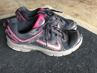 Ladies Nike shoes size 6.5 San Antonio, 78230
