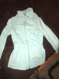 Under armour zip up size M Victoria, V8T