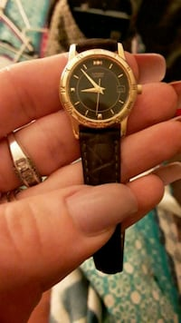 Ladies Citizen watch w/ leather band 374 mi