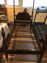 Antique 4-post bed frame twin 42x76