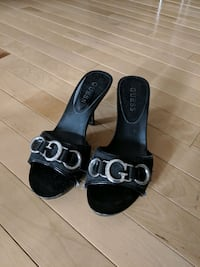 Guess small heels size 6 paid $60 now $20 Calgary, T2E 0B4