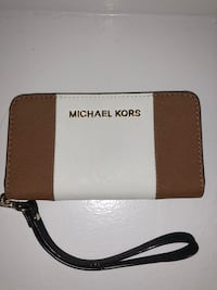 brown and white leather Michael Kors wristlet New York, 11360