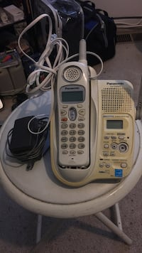 White Panasonic kx-TG2343 cordless phone comes with a charger Upper Marlboro, 20774