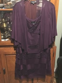 Laura purple dress petites size 16 Port Coquitlam, V3B 0G9