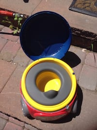 Excellent  Musical potty trainer for $15 Toronto