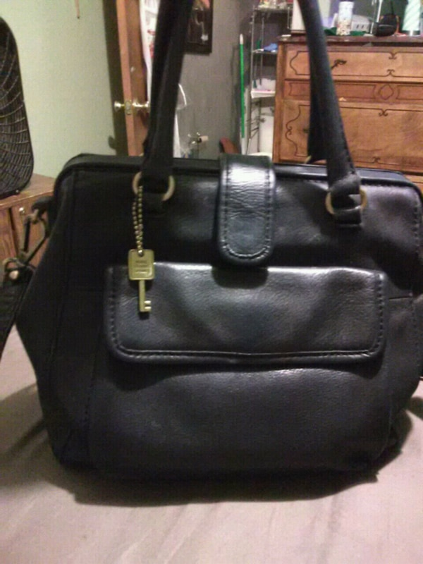 9e4cd8733cdd Used Fossil crossbody bag for sale in San Jose - letgo