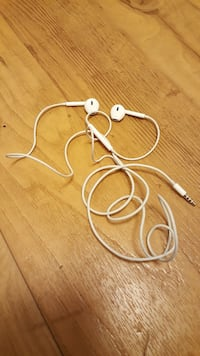 Apple - earpods whit remote mic-white 16 mi