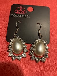 Silver and white dangle earrings  Gaithersburg, 20877