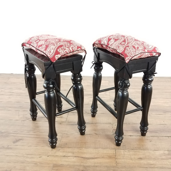 Pair Of Powell 318 444 D Pennfield Kitchen Island Stools (1020952)