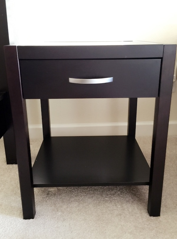 Solid Basic By Club Company Denmark Black Wooden End Table With Drawer Usado En Venta Orlando Letgo