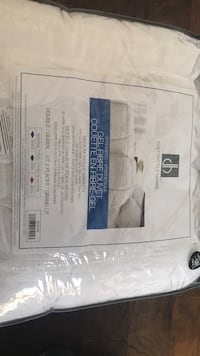duvet for queen bed - never used new- Queen size! Montréal