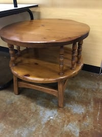 Round Side Table 376 mi
