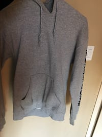 gray zip-up hoodie Central Okanagan, V1Z 3Z3
