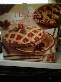 Pie plate and cover Roanoke