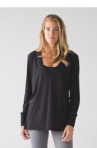 New with tags~lululemon get low long sleeve, black size 8
