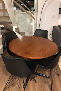 Mid-century dining table + 4 chairs Toronto, M4V 1N7