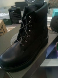 Timberland size 7.5  The Bronx, 10472