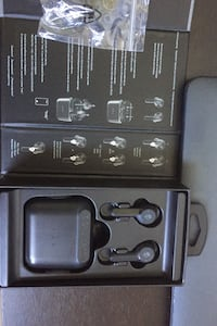 I'm selling Skullcandy earbuds brand new last up to16 hours buttery lf