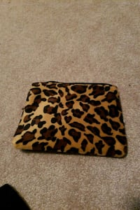 Leopard print makeup bag. Small. Edmonton, T5Y 0M8