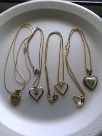 ViNTaGe HearTs NeCKLaCe LoT Bountiful, 84010