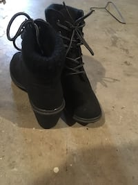 pair of black leather boots Innisfail, T4G
