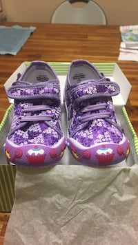 Size 10 toddler adorably purple sequin desert shoes Vancouver, V6T 2K2