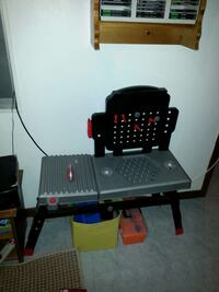 Black and Decker work bench Barrie, L4M