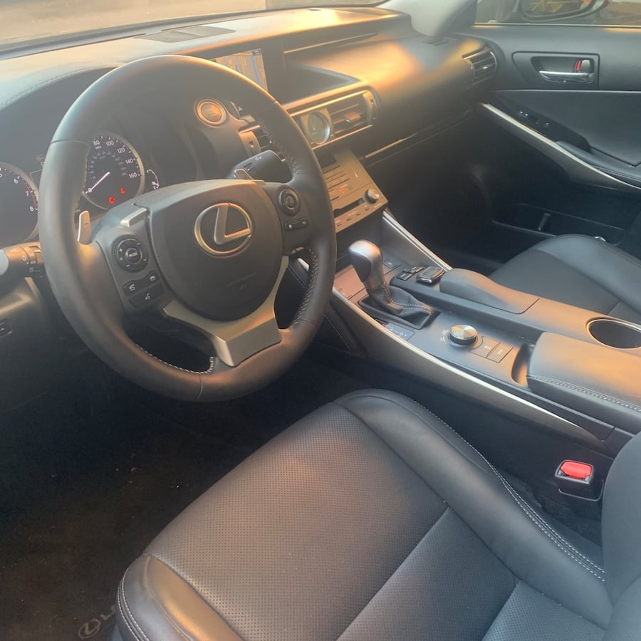 Lexus - IS - 2015 1c2fd7f2-3e78-4ae5-8c65-397954e3364f