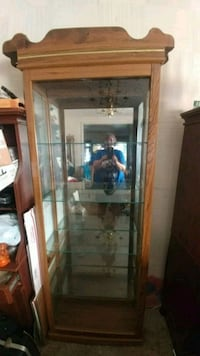Lighted curio cabinet. NO HOLDS Canton, 44709