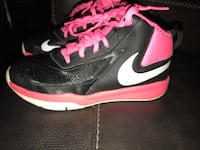 Girls size 2 Nike shoes San Diego, 92113