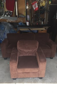 Sofa and Love Seat Mississauga, L4T 1Z8