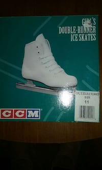 girl's white double-runner ice skates box Hyattsville, 20782