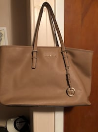 Michael Kors Tote Bag  Newark, 07105