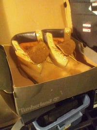 pair of brown Timberland work boots with box Surrey, V4N 0K3