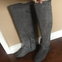 Knee high gray suede boots size 7 Mississauga, L5M 3K4
