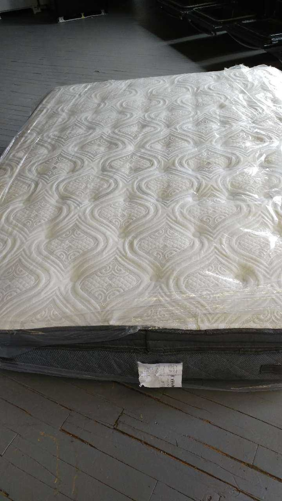 letgo POSTUREPEDIC mattress in Meriden CT