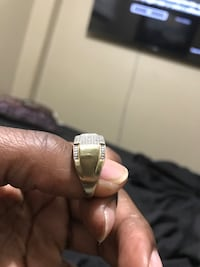 10k gold and diamond ring Toronto, M3L