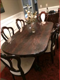 Table 6 chairs and Dinnett Charlotte, 28277