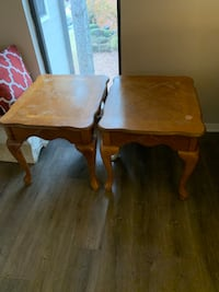 2 wooden side tables Hoover, 35226