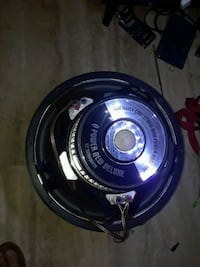 "15"" q power speakers  Austin, 78745"