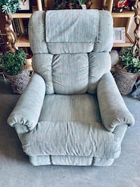 """LAZ-Z-BOY """"Limited addition"""" Recliner & a special color fabric Reduced"""