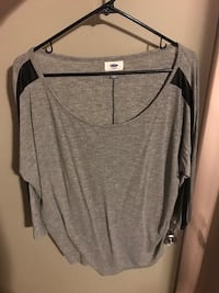 gray and black scoop neck top Knoxville, 37918