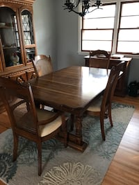 Dining table w/ 6 chairs and extra leaf Bloomington, 55437